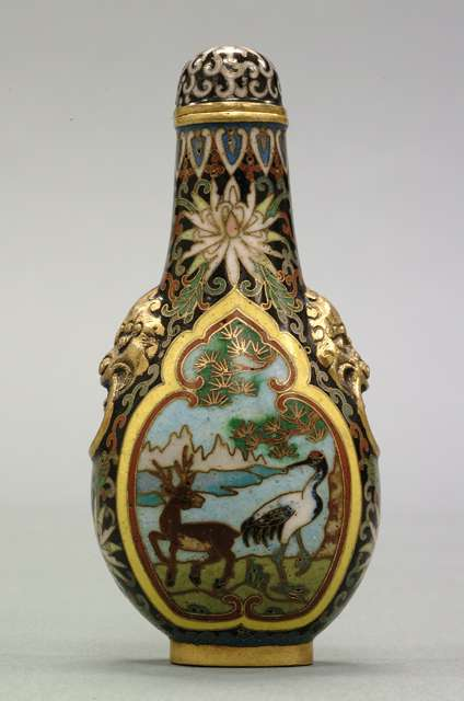Snuff Bottle: Longevity Motifs, 19th Century
